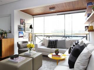 Salas / recibidores de estilo  por Now Arquitetura e Interiores,