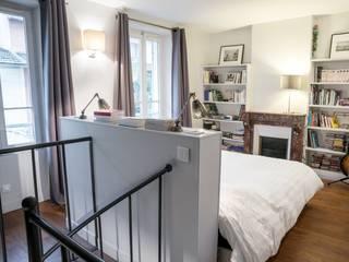 Modern style bedroom by CHRISTELLE MALDAGUE Modern