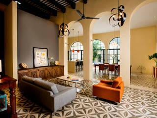 Koloniale Wohnzimmer von Taller Estilo Arquitectura Kolonial