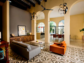 Kolonialny salon od Taller Estilo Arquitectura Kolonialny