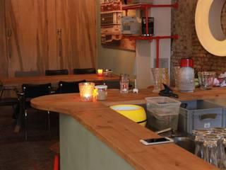 Interieur Borrel en Eetbar 'De Winkel' Oss:  Gastronomie door Samosa 'Ontwerp op Maat', Industrieel