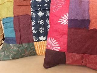 Japanese Paper Decoration cushion: studio Ma スタジオ・エムエーが手掛けたです。