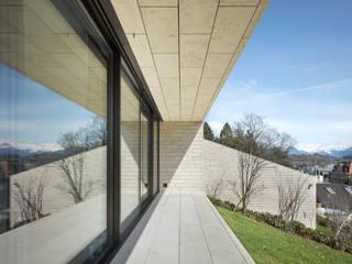 Stadtvillen Adligenswilerstrasse Luzern Moderner Balkon, Veranda & Terrasse von alp - architektur lischer partner ag Modern