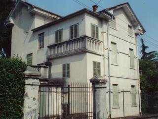 VIlla Liberty a Marostica (VI):  in stile  di ALBANO PASSARIN E MARINA MARZOTTO ARCHITETTI ASSOCIATI