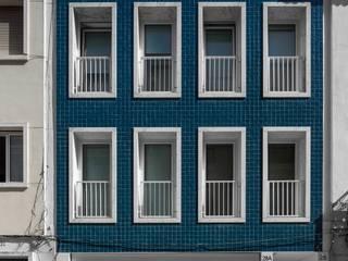 Casas de estilo  por João Tiago Aguiar, arquitectos