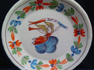 """Exemple avant /après. Assiette creuse """"La Liberté"""" en faïence stannifère de Dax -XVIIIIème s. Musée des arts de la table de Samadet par Atelier Passé Recomposé"""