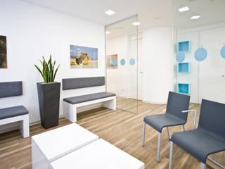 Wartebereich:  Praxen von Breitinger AG - Die Büro- und Praxisgestalter
