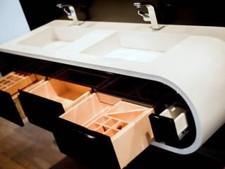 Nowoczesna szafka łazienkowa GOOGLE z podwójną umywalką Nowoczesna łazienka od Luxum Nowoczesny