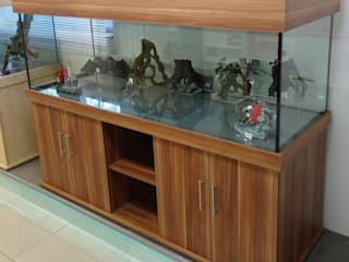 Marine and tropical aquariums with cabinets Classic style living room by Prime Aquariums Ltd Classic
