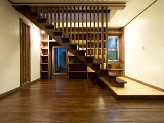 セブン・ステップス・トゥ・ヘブン 和風の 玄関&廊下&階段 の 有限会社 アーキヴィジョン 和風