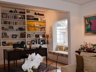 Classic style study/office by Renata Romeiro Interiores Classic