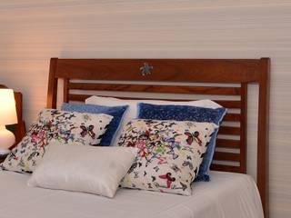 Classic style bedroom by Renata Romeiro Interiores Classic
