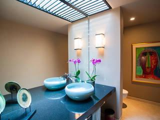 ห้องน้ำ by Stone Contractors