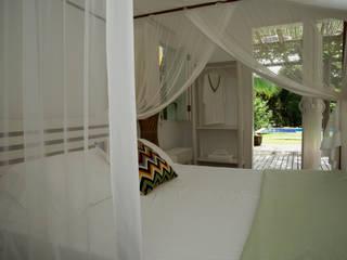Cuartos de estilo tropical de Renata Romeiro Interiores Tropical