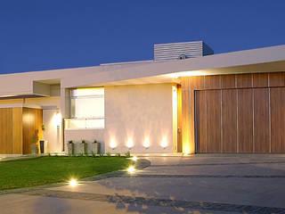 Houses by METODO33, Modern