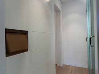 4+1 arquitectes Moderne Ankleidezimmer