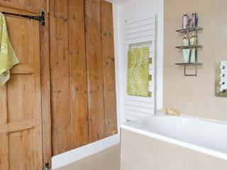 Grade II Listed Bathroom Renovation Classic style bathrooms by Workshop Interiors Classic