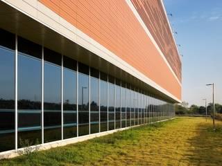 인천AG 수영경기장 Terracotta panel 적용 : Chang A facade 의 스칸디나비아 사람 ,북유럽