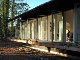 aanzicht veranda:  Huizen door DAAD Architecten