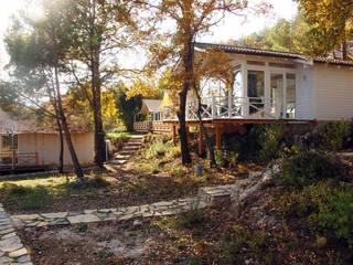 Houses by SAKLI GÖL EVLERİ, Modern