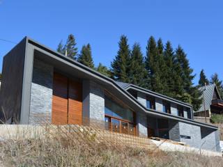 VIVIENDA BIOCLIMÁTICA EN PLANOLES: Casas de estilo  de 4RQ Ingeniería y Arquitectura
