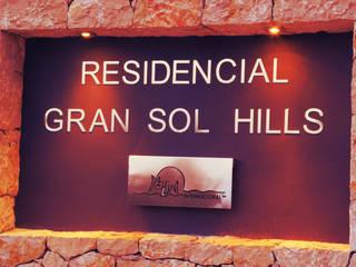 Residencial Gran Sol HIlls: Casas de estilo moderno de Mellini Internacional, S.L.