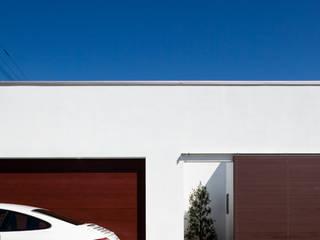 正面外観: 堺武治建築事務所が手掛けたガレージです。