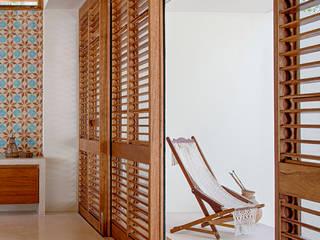 Hiên, sân thượng by Specht Architects
