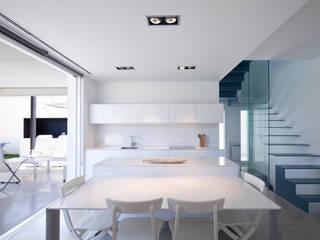 CASA RM: Cocinas de estilo  de RM arquitectura