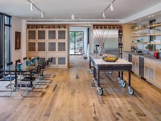 Salas de jantar  por Specht Architects