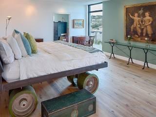 Cliff Dwelling Camera da letto eclettica di Specht Architects Eclettico