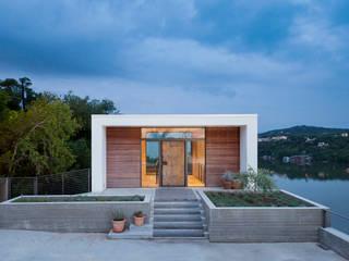 Cliff Dwelling โดย Specht Architects โมเดิร์น