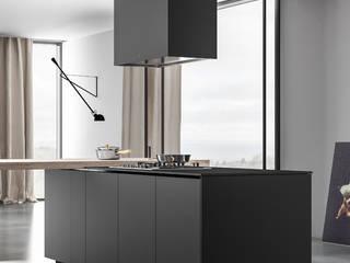 Ambiente Cucina (A) - dettaglio isola: Cucina in stile  di Nova Cucina
