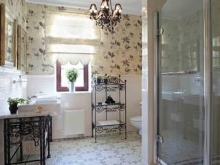 Phòng tắm phong cách kinh điển bởi Tatiana Ivanova Design Kinh điển
