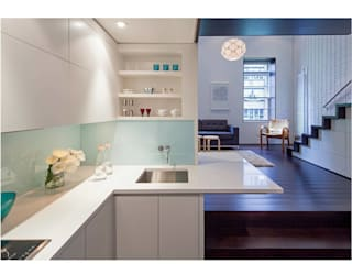 Manhattan Micro-Loft Specht Architects Modern kitchen