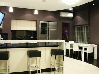 кухня: Кухни в . Автор – Атмосфера