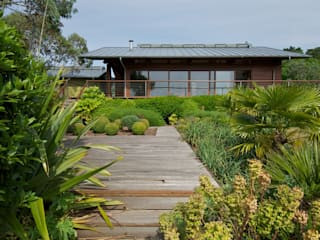 Hillside Farm Exterior Four: modern Houses by DUA Architecture LLP
