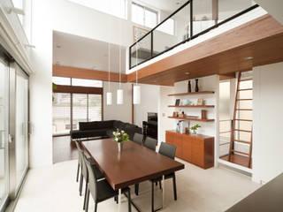 Modern dining room by 伊藤一郎建築設計事務所 Modern