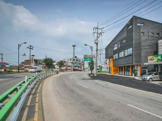 Casas modernas: Ideas, imágenes y decoración de JYA-RCHITECTS Moderno