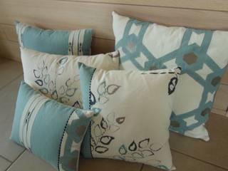 coussins par Decoration Christine Moderne