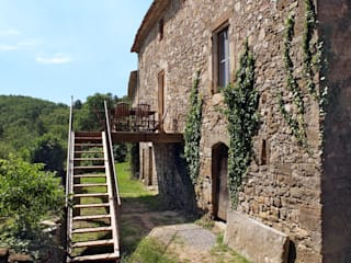 Mas Novis, la façade Est: Maisons de style  par Mas Novis
