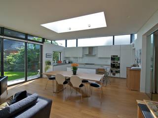 Cucina in stile  di DUA Architecture LLP