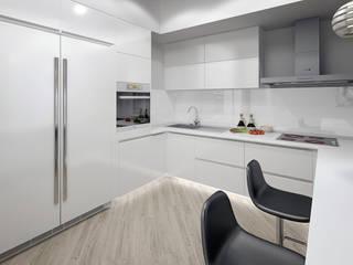 Трехкомнатная квартира в стиле минимализм Кухня в стиле минимализм от Дизайн-студия 'Эскиз' Минимализм