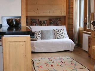 Rénovation et décoration complètes d'un appartement de 45 m² à la montagne (Alpes) par ELDI conseil Rustique