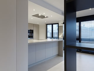Modern kitchen by mae arquitectura Modern