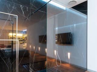 minimalistische Badezimmer von VALENTIROV&PARTNERS