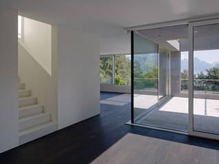 Neubau Doppelvilla in der Zentralschweiz:  Esszimmer von Gut Deubelbeiss Architekten AG