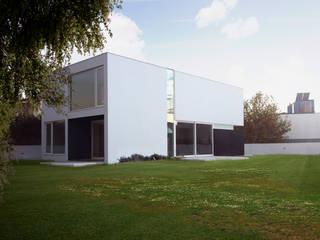 Casa Unifamiliar, Foios, Azeitão: Casas  por atelier.dxf,Moderno
