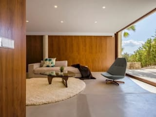 Media room by Pietro Cuevas Interiors,