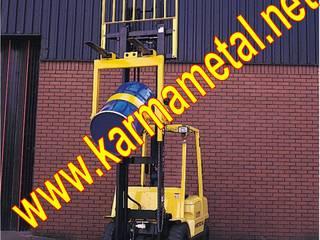 Industrial style corridor, hallway and stairs by KARMA METAL Industrial